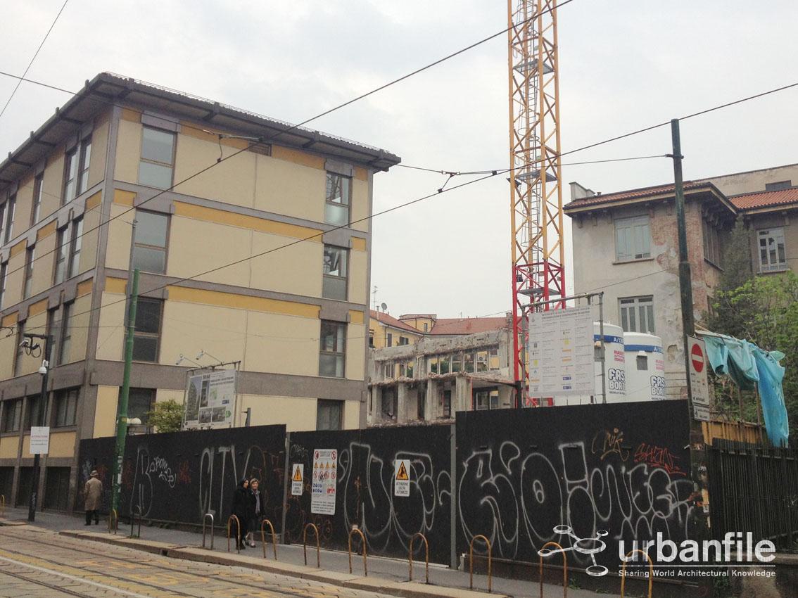 Milano crocetta la demolizione in corso di porta for Corso di porta genova milano