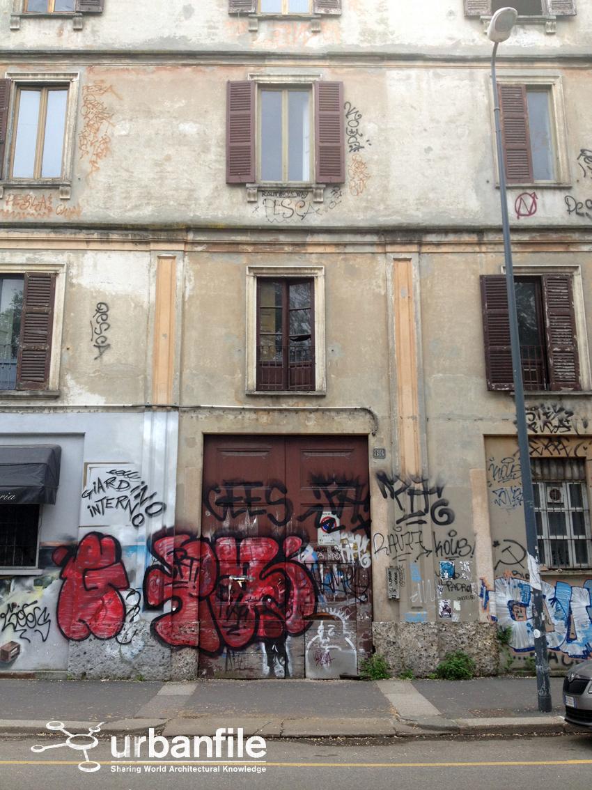 Milano Navigli Il Palazzo Da Demolire Sulla Ripa Di