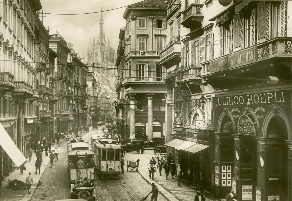 Corso Vittorio Emanuele. Libreria-hoepli-1926