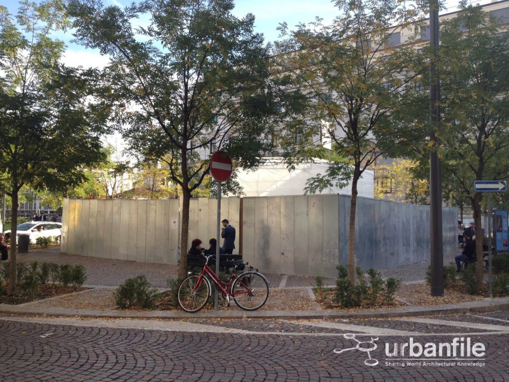 2013-10-31-piazza-fontana-1
