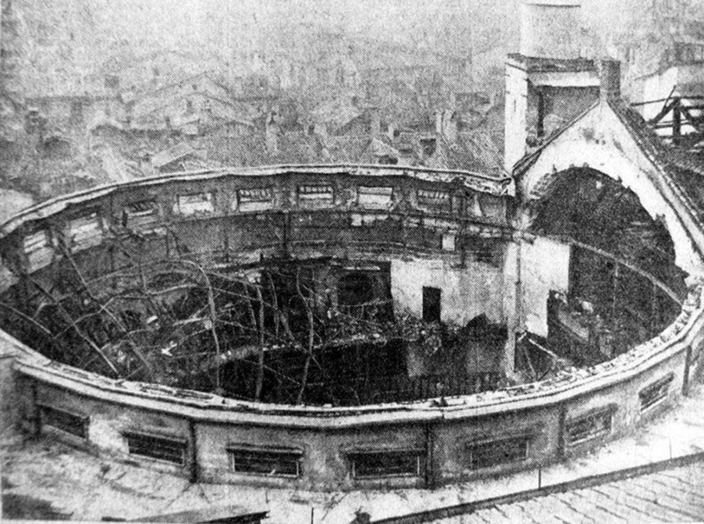 Il Teatro Lirico dopo l'incendio che lo distrusse nel 1936