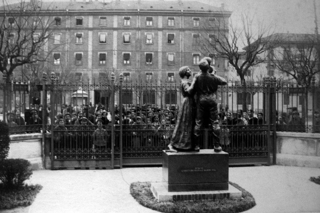 la-fontana-di-piazza-de-angeli-asilo-2