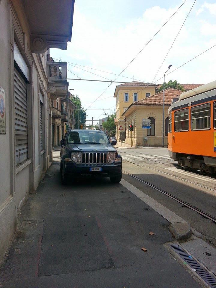 Via Varesina_angolo via Monte Altissimo 1