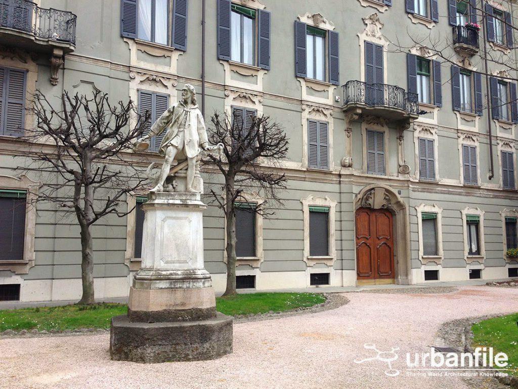 Cristoforo Colombo Via Boschetti al civico 6 A