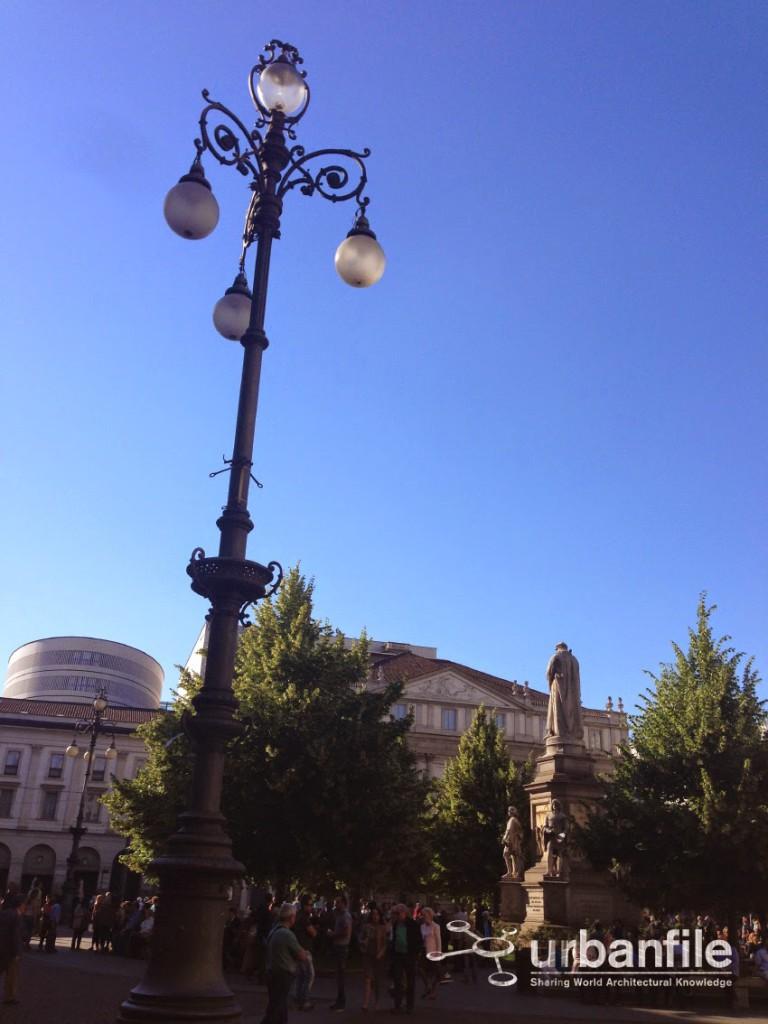 Piazza della Scala Lampione 1