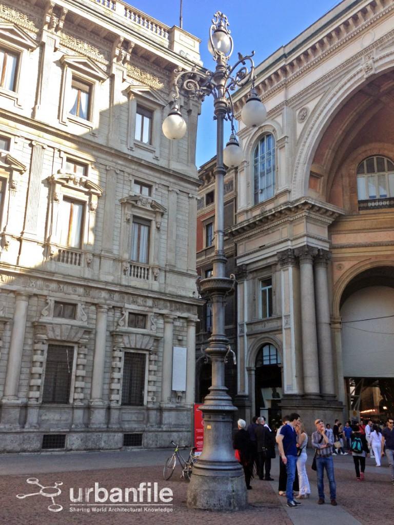 Piazza della Scala Lampione 3