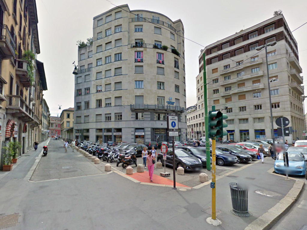 Piazzetta in Via Larga 1