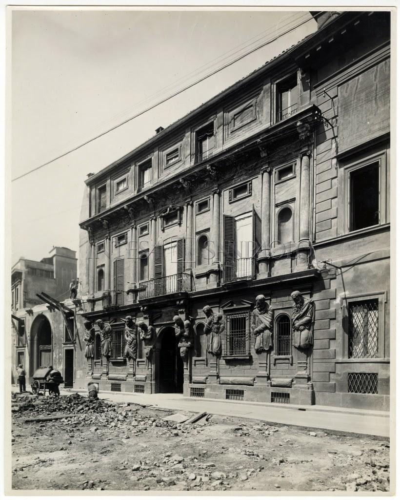 Via Case Rotte e via degli Omenoni, edifici preesistenti, durante le demolizioni 1925-1929 1