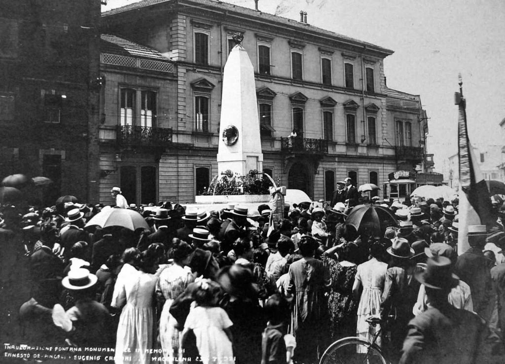 Maddalena, Piazza De Angeli, 1921 Inaugurazione della Fontana