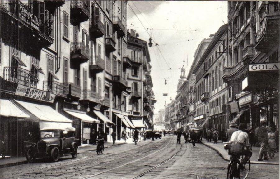 Via Torino, con cupola del Palazzo del Commercio 2