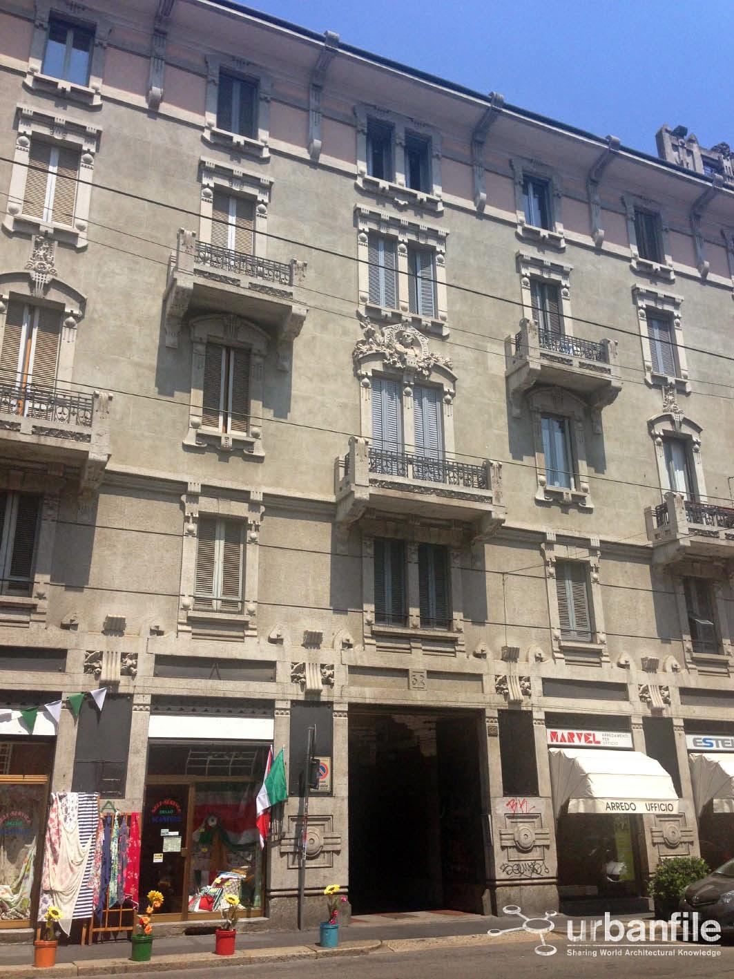 Milano | Porta Genova - Via Vigevano, la lunga tavolata male ...