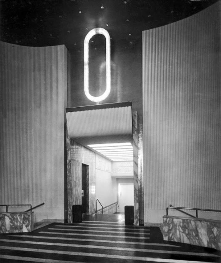 Largo Cairoli Teatro Olimpia (1942 - 1944) l'atrio