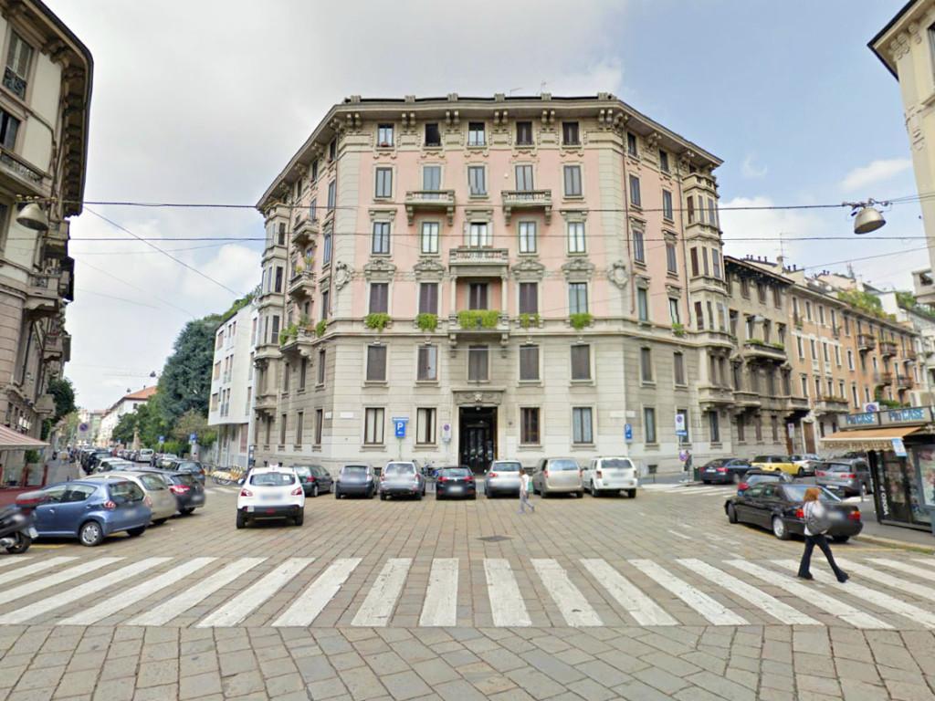 Piazza Camillo De Meis 1