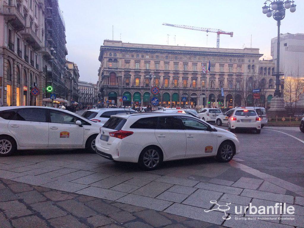 2015-01-19 Taxi Duomo 1