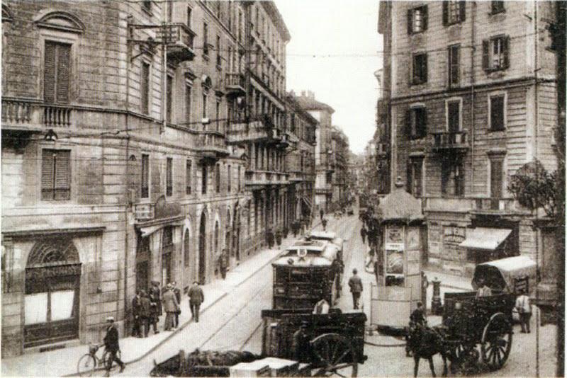 Via Meravigli incrocio con via Santa Maria alla Porta, fine 800