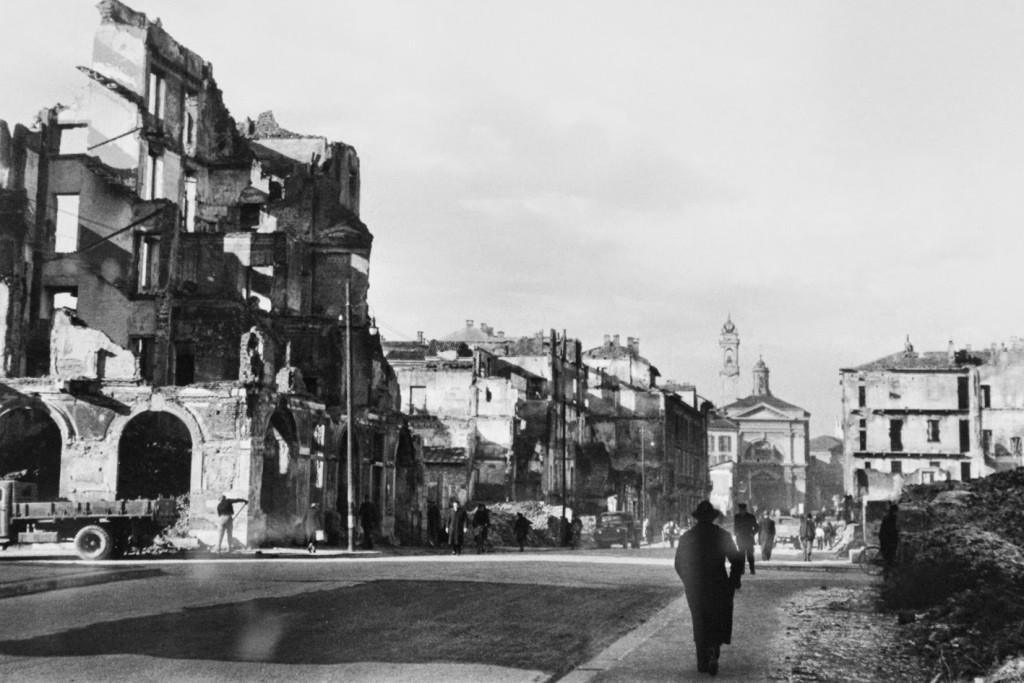 via Molino delle Armi alla fine della seconda guerra mondiale