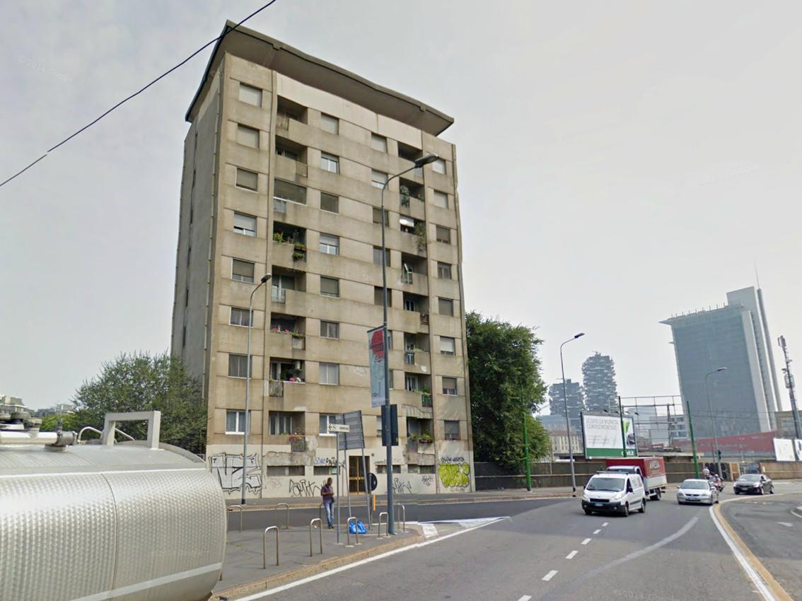 Milano zona farini il brutto anatroccolo allo scalo for Cedro agitare piani di casa