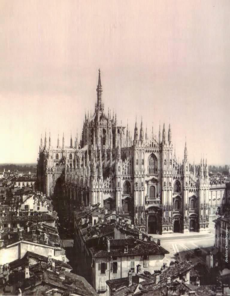 1858, piazza duomo, parte di una stereotipia francese (probabilmente Hippolyte Deroche e Francesco Heyland)