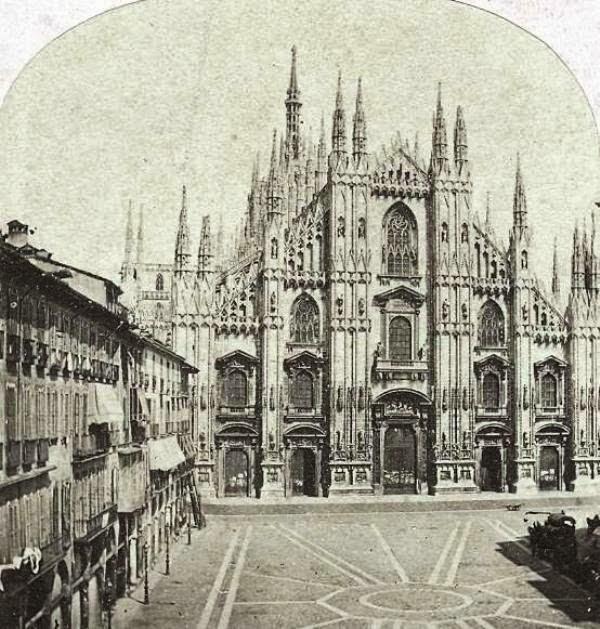 Duomo e la piazza nel 1850 circa