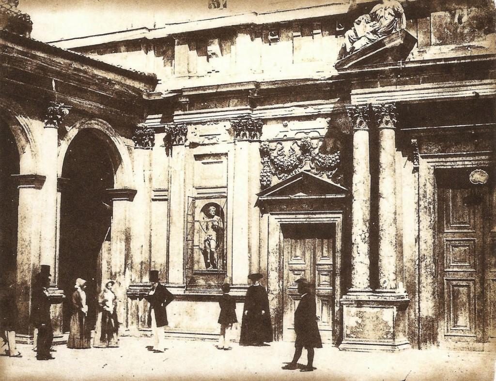 Luigi Sacchi Veduta animata del portale minore del Santuario di Santa Maria presso San Celso a Milano, 1849