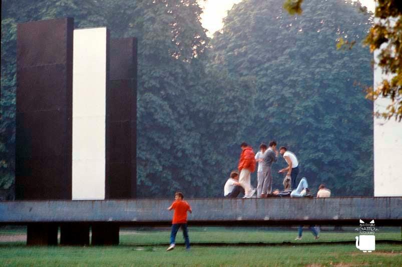 teatro-continuo-milano-1985-urbanfile-d