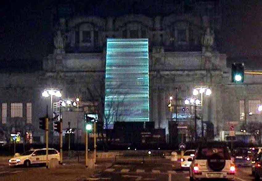 Alba_Milano_Stazione_Centrale_2000_D