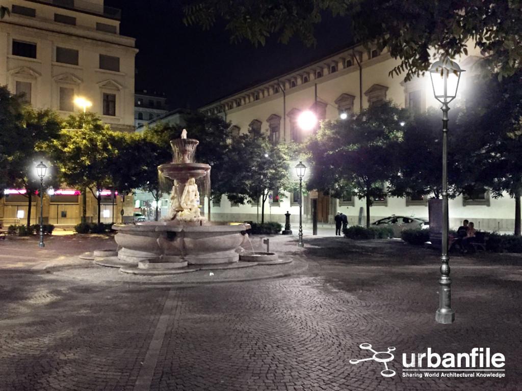 2015-06-10_Piazza_Fontana_Buio_1B