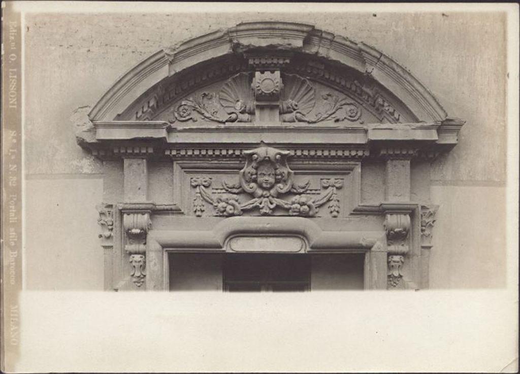 Monastero di S. Gerolamo lungo il naviglio (oggi via Carducci), portale principale 1890
