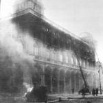 1918 - La Rinascente durante l'incendio del 25 Dicembre 1918, solo 3 settimane dopo l'apertura