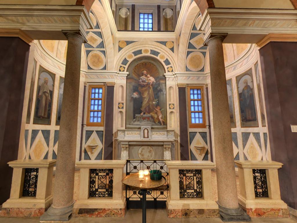 Chiesa_San_Babila_2015_Interno_M