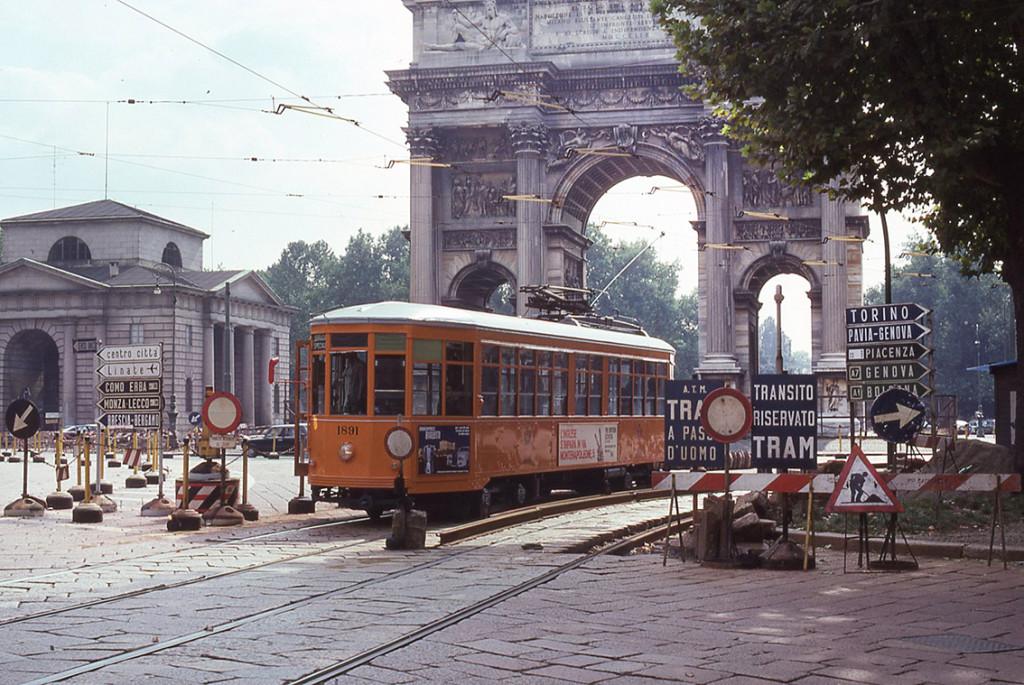 Lampioni_Arredo_Urbano_Corso Sempione 1977