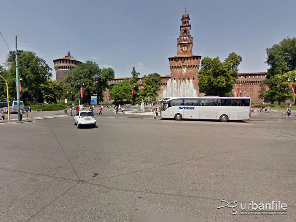 Piazza Castello 1