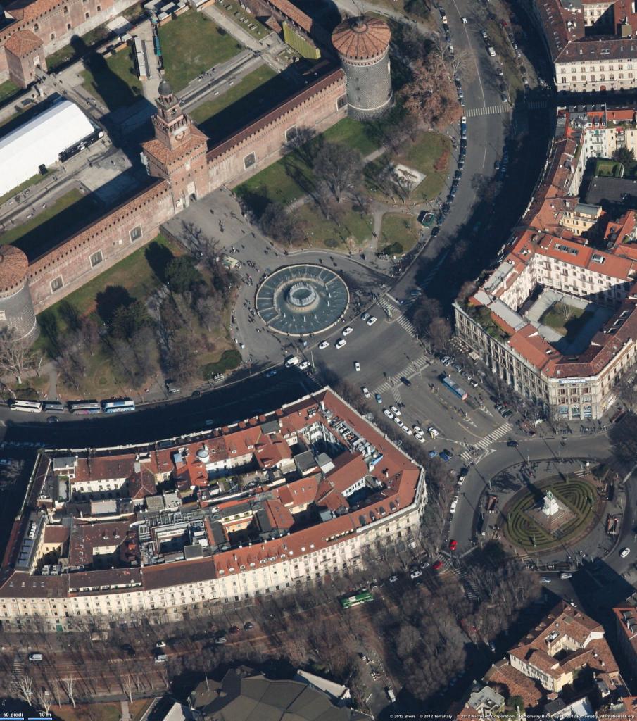 Piazza Castello A