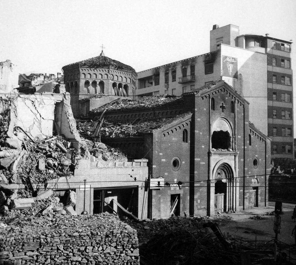 chiesa_san_babila_1943_1