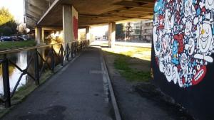 La pista ciclabile della Martesana nel tratto che passa sotto la stazione