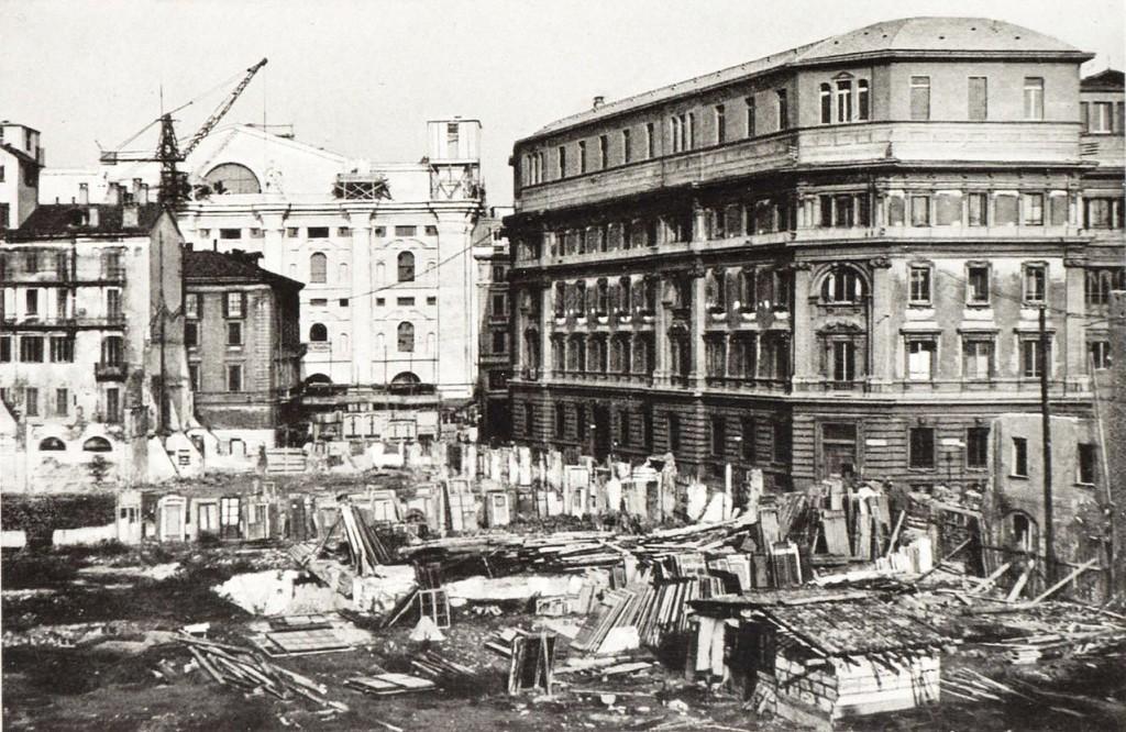 Creazione di Piazza Affari 1931 a destra il Palazzo delle poste