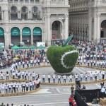 Terzo_Paradiso_Mela_Reintegrata_Duomo