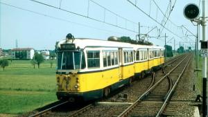 """Il """"Tram giallo"""" sugli attuali binari della metropolitana (fonte: youtube)"""
