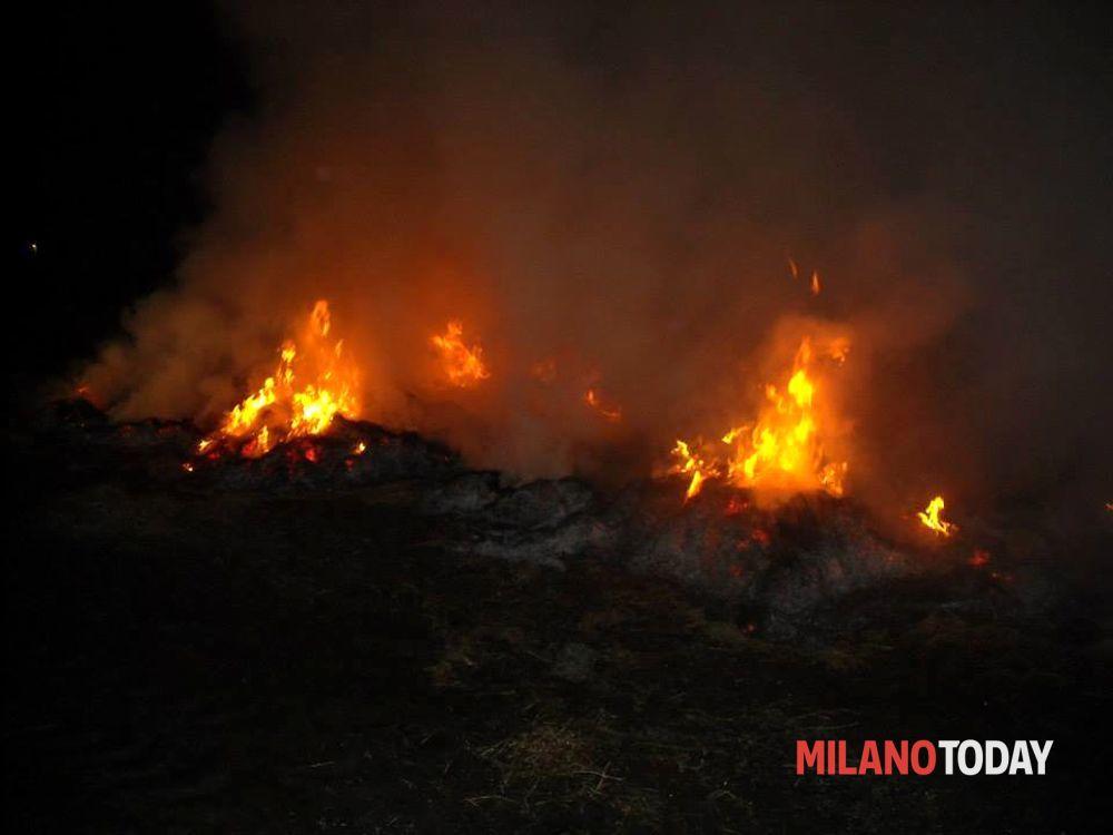 Incendio parco delle cave 03