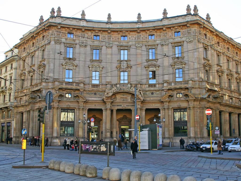 Piazza-Cordusio-Palazzo-Broggi-Poste_1