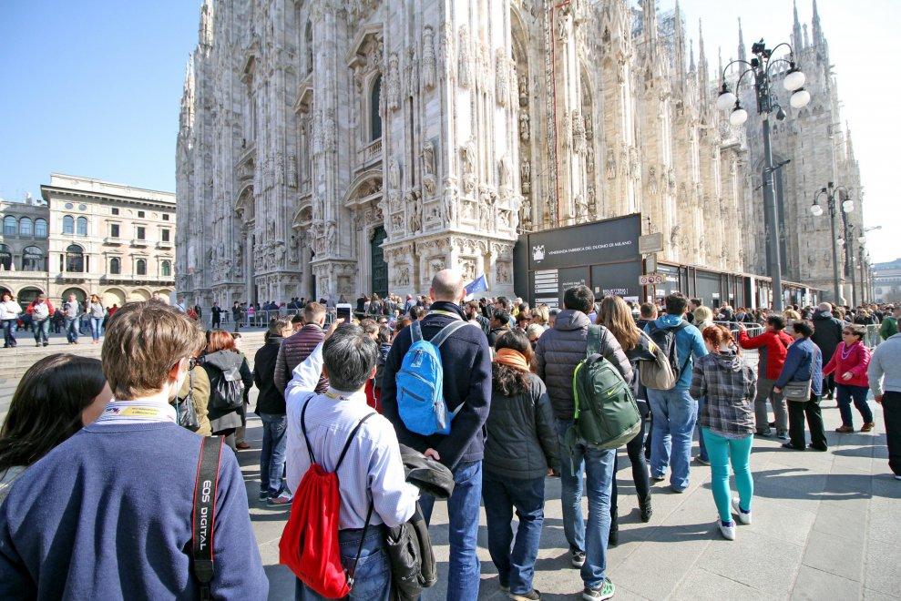Piazza_Duomo_Turisti