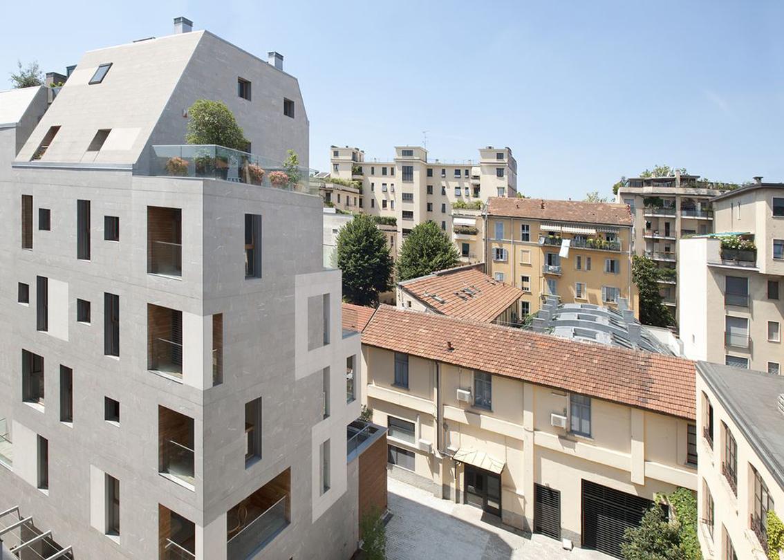 Milano zona risorgimento novit nel cortile k19b for Piani di coperta del cortile