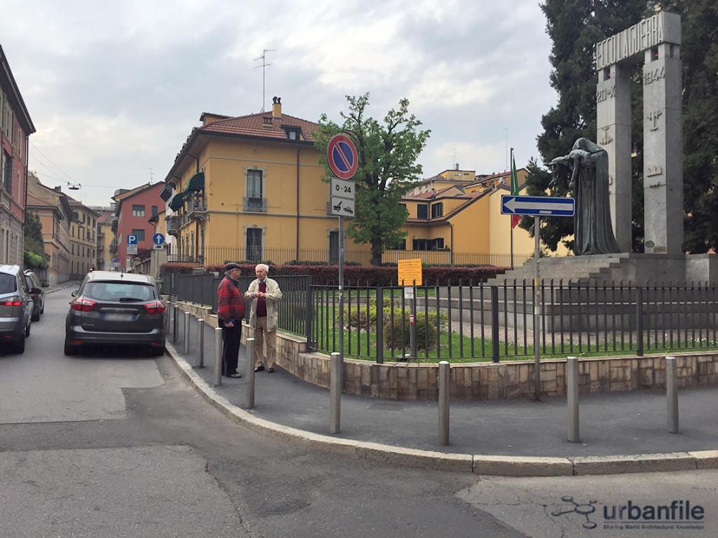 2016-04-03_Parcheggi_Piazza dei Piccoli Martiri_1