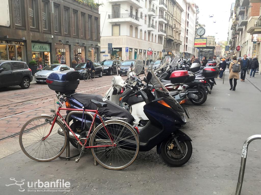 2016-04-08_Corso_Genova_Fermata_Tram_1