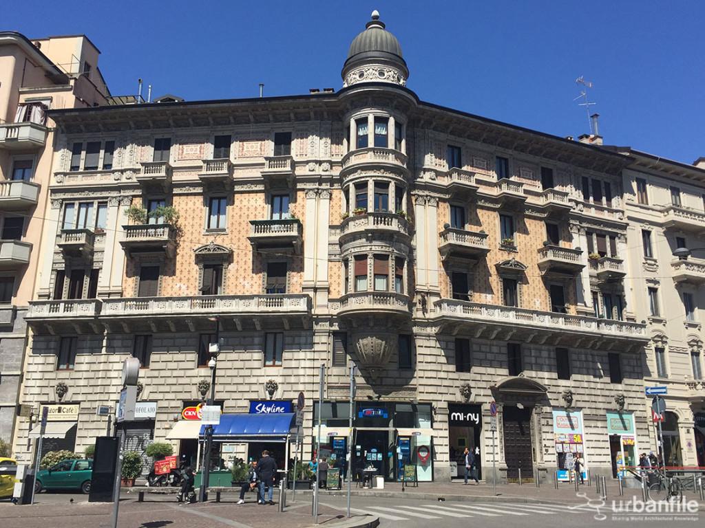 Palazzo_Piazza_Argentina_1