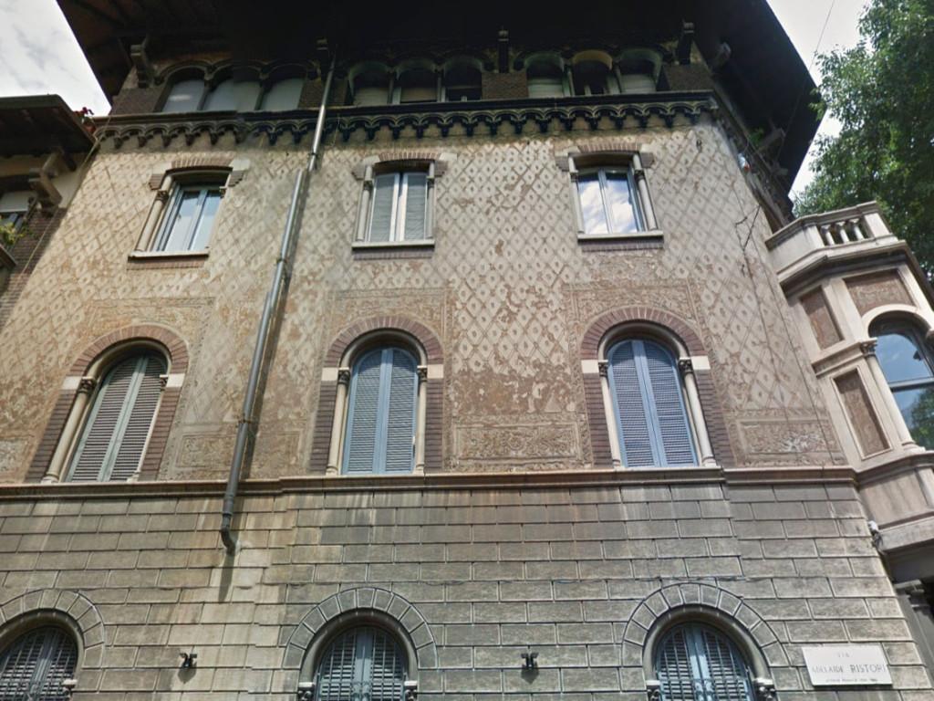 Palazzo_via_Castell_Morrone_1