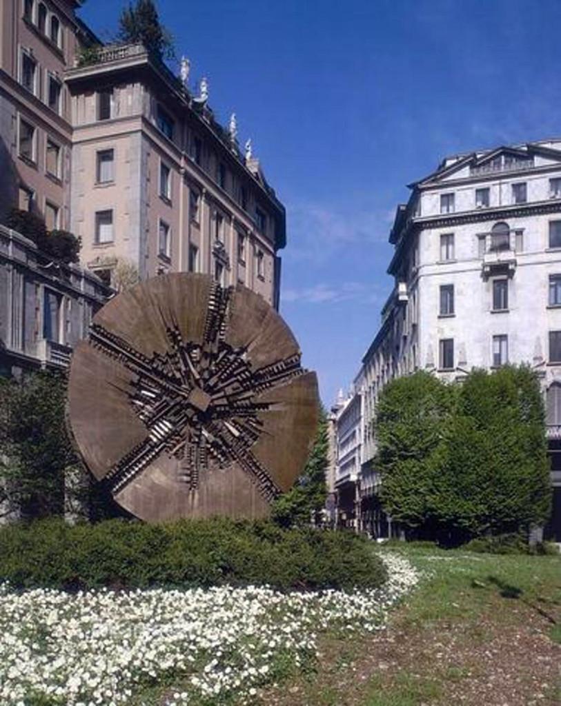 Piazza_Meda_2000-2004