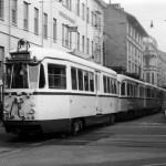 Via Ricordi 1965, immissione del trenino per Cassano-Vaprio in Piazza Aspromonte