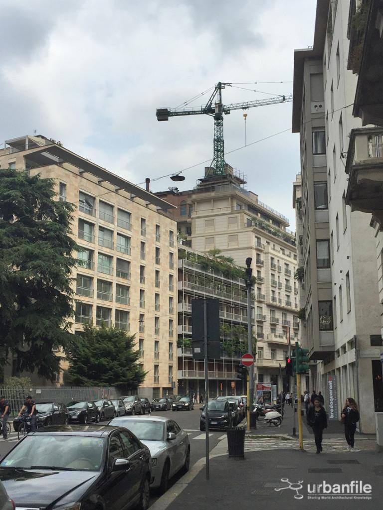 2016-06-11_Palazzo_Parigi_Gru_1