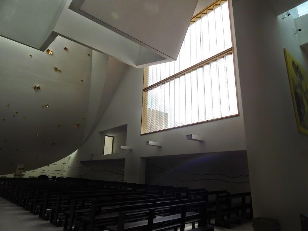 Chiesa_Santa_Gianna_Beretta_Molla_Trezzano_sul_Naviglio_14